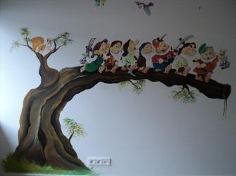 Rik-Muurschilderingen-Muurschildering-zeven-dwergen-en-bambi-1