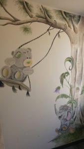 muurschildering Schommel