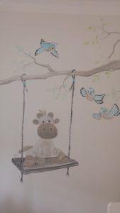 muurschildering giraffe Schommel