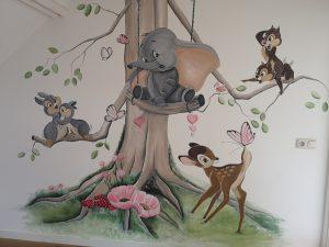Muurschildering Dombo en Bambie
